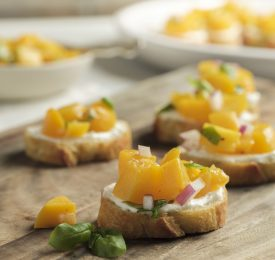 Peach and Goat Cheese Bruschetta Toasts