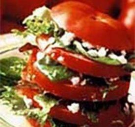 Napoléon de tomates fraîches